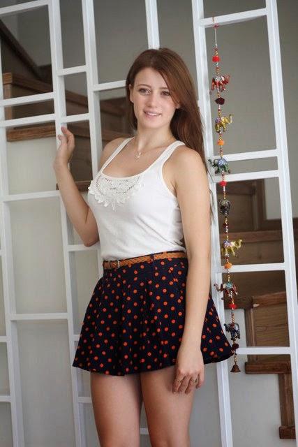 Miss Turkey ikincisi güzeller güzeli Gizem Karaca'nın hd foto galerisini görüntülemek için tıklayın.